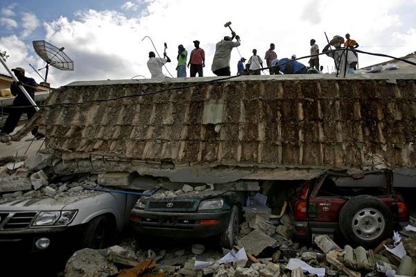 海地7级强震 死亡人数可能高达10万人