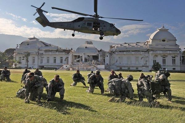 美军大规模派兵救援 控制海地总统府