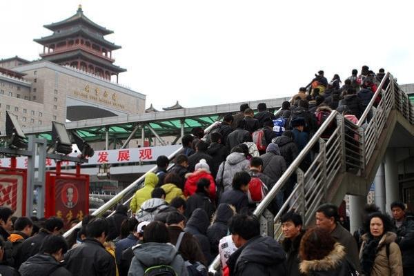 北京等地提前启动春运 各地加紧备战