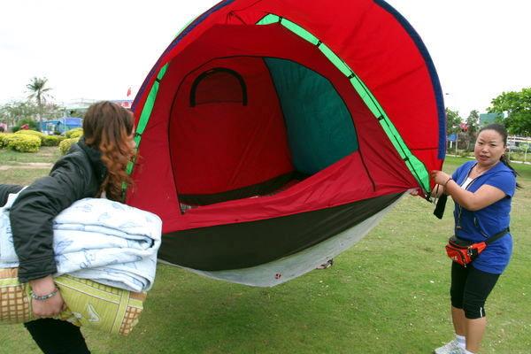 三亚天价客房逼游客住帐篷
