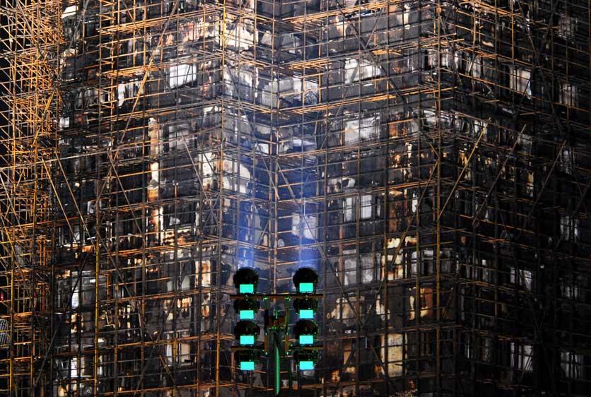 上海静安高层住宅大火已致53人遇难