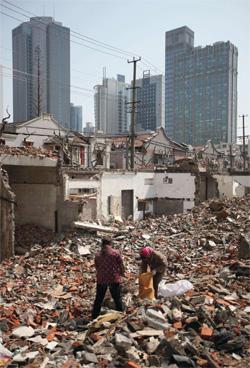 伴随着拆迁变法前行的步伐,中华大地上拆迁冲突有增无减