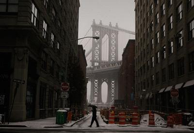 随着城市的发展,人们对现有基础设施的使用率已经超过了当初设计时的预期,这进一步加剧了老化。Chris Hondros/Getty             Images/CFP