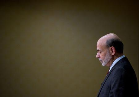 亚特兰大联储金融市场会议后,伯南克在回答听众问题时指出,只要通胀预期仍然稳定并且受控,通胀压力很可能就是短期的。Chris Rank/Bloomberg/CFP