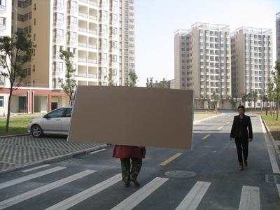 2010年12月4日,武汉一经济适用房小区。一位武汉业内资深人士表示,武汉的保障房主要是经济适用房。楚林/CFP