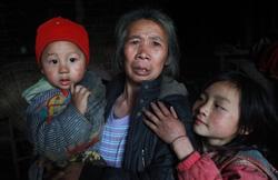 黄姓村的刘素珍老人告诉记者,她的孙女周娟3个月零10天时被抢走,至今下落不明。