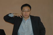 财新传媒李大巍进行项目介绍