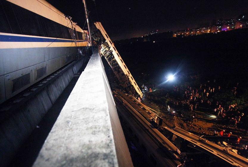 温州动车追尾事故死亡人数升至35人