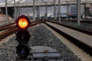 2011年7月13日,高铁的信号灯。