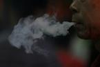 卷烟销量反弹 学者呼吁再增烟草税