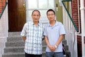 探访香港大学:学员王成梧与钱钢先生合影