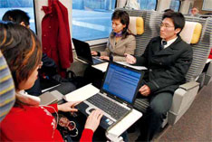 2007年1月31日,CRH2列车开始在上海局内运行。