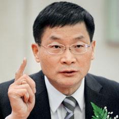 央行调查统计司司长盛松成,对财新记者系统阐述了他所理解的中国资本账户开放之路。