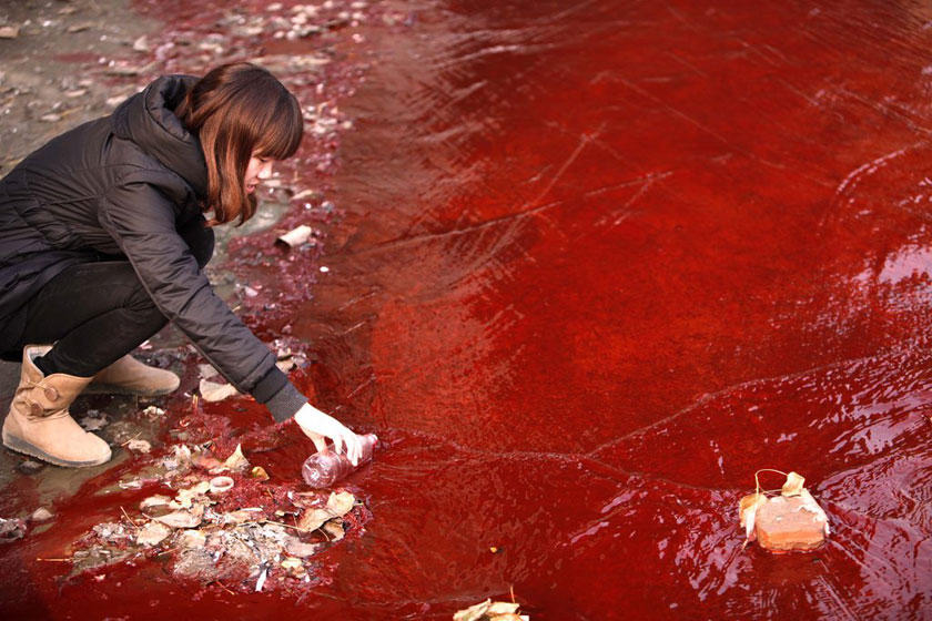 On December 13, 2011, the city of Luoyang in Henan Province woke to find the Jian River a blood-red color. The city's environmental protection bureau discovered that an illegal workshop was dumping red dye into the sewage pipes that drained into the river. CFP