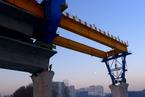 铁路投资增幅持续放缓 年底将井喷