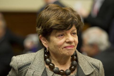 艾丽斯/在前美联储副主席艾丽斯· 瑞福林(Alice Rivlin)看来,危机爆发的...