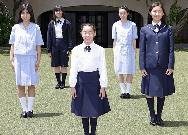 日本女生的校服