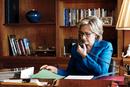 """希拉里争议中走上""""女总统之路"""""""