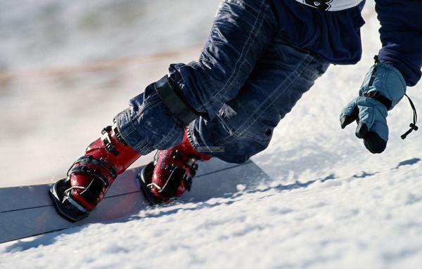 单板滑雪鞋_单板滑雪,你需要这些装备_Enjoy·雅趣频道_财新网