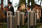 上海楼市二月成交量同比降五成