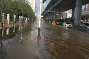 【直播回放】财新记者在武汉市南湖周边察看渍水情况