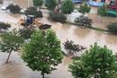 河南新乡遭特大暴雨袭击 六小时雨量达年均值一半