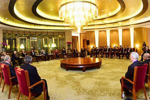 朱镕基等会见清华经管院顾问委员会委员