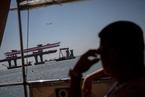 港珠澳大桥香港段全线贯通