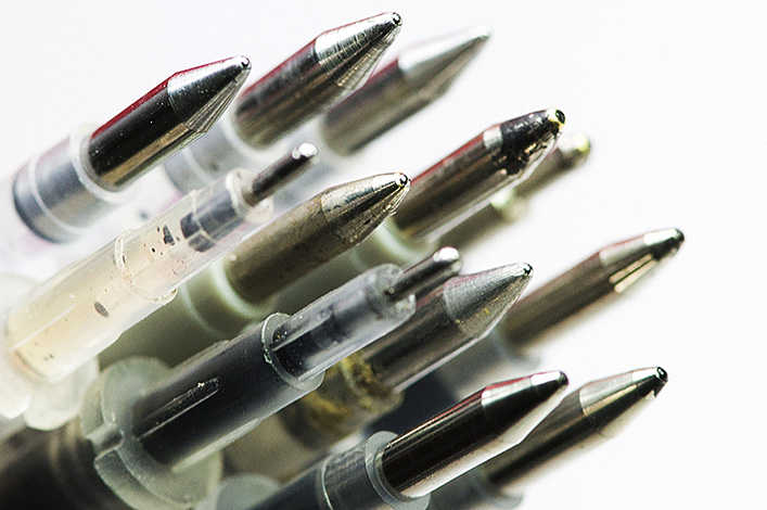 China, the world's leading maker of ballpoint pens, has finally mastered the craft of making the tiny balls that are the pens' central component. Photo: IC