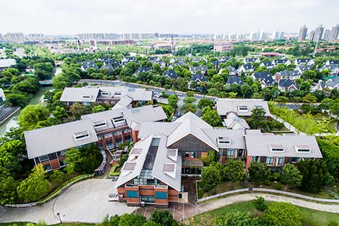 乔润令:特色小镇要产业立镇 防止房地产化