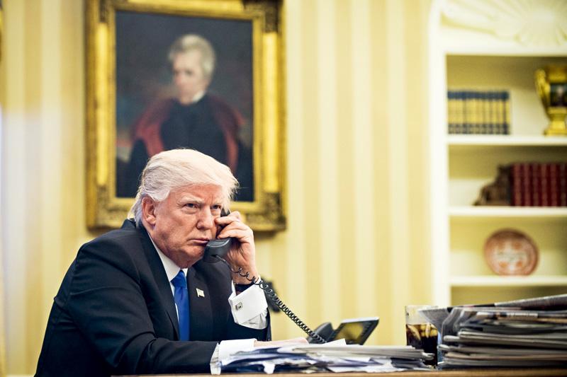 特朗普上任满月盘点 争议之下做了哪些事?