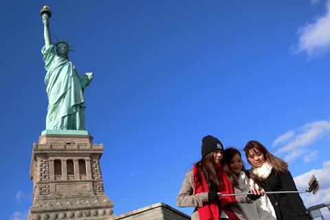 美十年签中国访客或需提交社交媒体信息