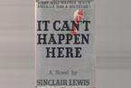 预言特朗普?——辛克莱•刘易斯的《不会发生在这里》
