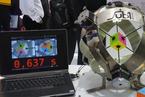 0.637秒:拧魔方世界纪录又被机器人打破