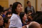 周小川回应财新记者:外储下降是正常现象