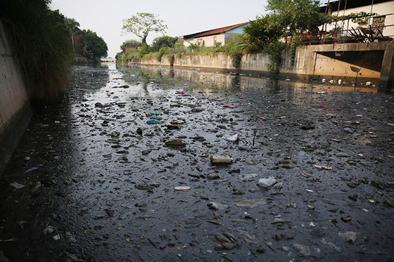 Raw Sewage Stinks Up Guangdong Waterways