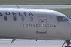 达美航空为主动让位者提供最高近1万美元补偿