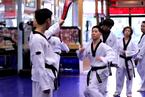 印度一医院组织医生学习跆拳道 应对医患冲突