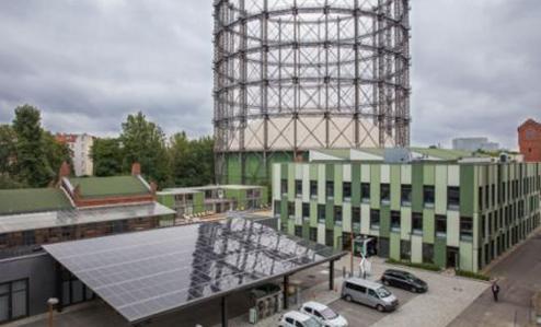 柏林欧洲能源科技园(EUREF)内的光伏发电站+储电站+电动汽车充电站