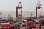长期超负荷运营 上海港陷持续拥堵