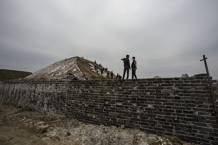 Reporters visited Ming Dynasty wall site in Fengyang, Anhui province, China, on April 7. Photo: Visual China