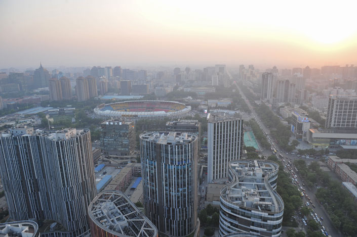 A heat wave sweeping across northern China has elevated the level of ground-level ozone in the Beijing area since Thursday.  Photo: Visual China
