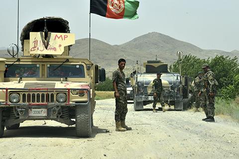 阿富汗南部一军事基地遇袭10名士兵死亡