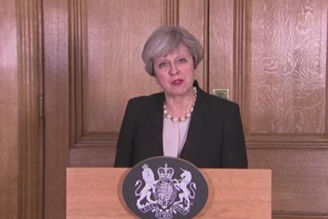 """英国将恐袭威胁提至""""危急""""级 正查袭击者组织背景"""