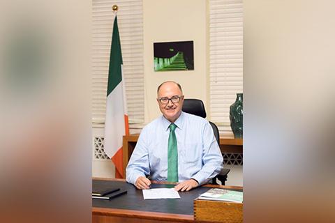 """爱尔兰驻华大使:避免与英国的""""硬边界""""重现至关重要"""