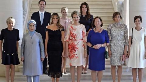 """""""太太团""""中的""""第一先生"""" 卢森堡首相携同性丈夫出席峰会"""