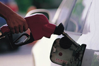 供给面放量 国际油价本周下挫4%
