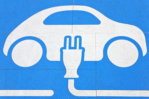 白名单接替电池目录 不与新能源汽车补贴挂钩