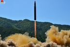 朝鲜宣布洲际弹道导弹火星-14试验发射成功