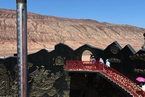 新疆吐鲁番持续高温 火焰山地表88摄氏度